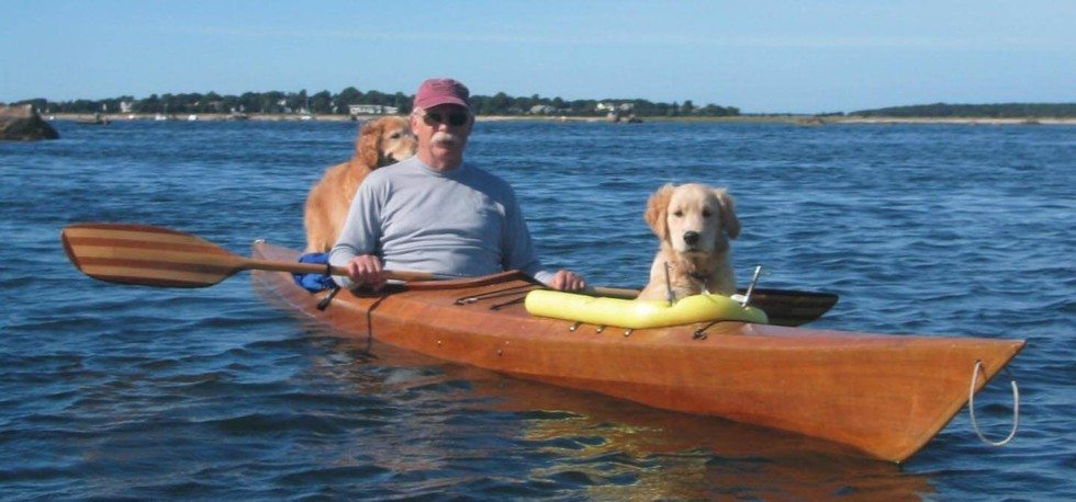 man_builds_special_kayak_for_his_dogs_4