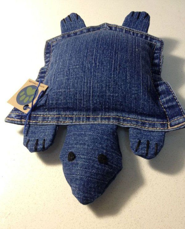 Fun And Creative Crafts To Make With An Old Pair Of Jeans