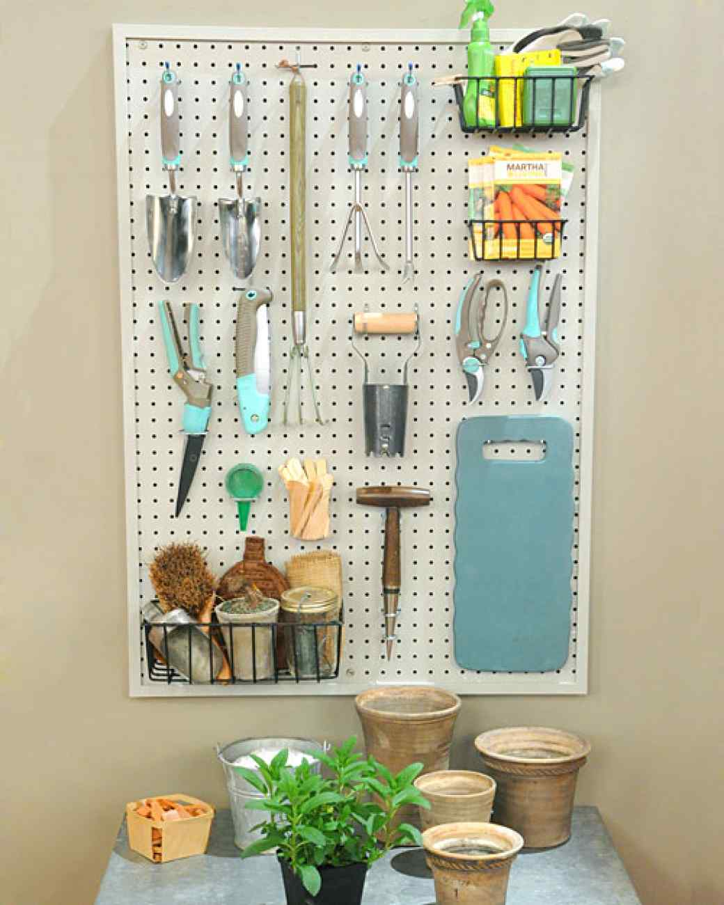 expert diyer uses a pegboard to organize her home in ways. Black Bedroom Furniture Sets. Home Design Ideas