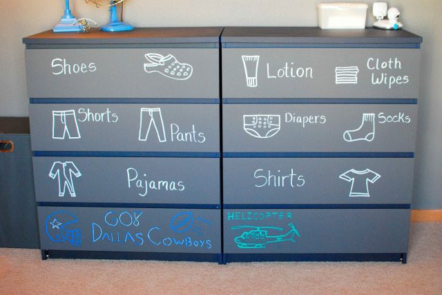 dresser-drawer-chalkboard-paint