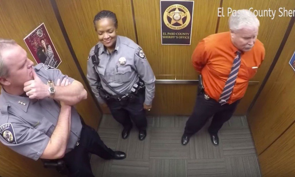 colorado_deputies_dance_in_elevator_3