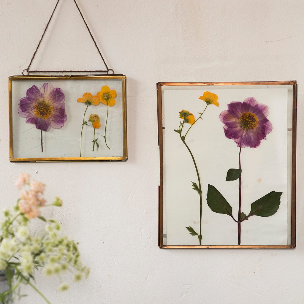 Dried flowers are an interior designer's best friend Learn how to make and d