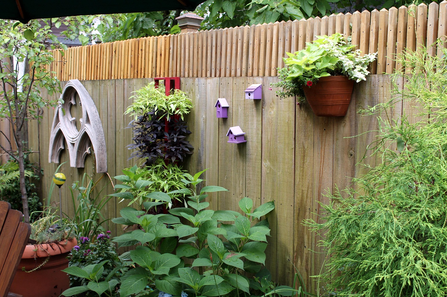 Diy Fence 14 Creative Ways To Spice Up Your Garden Fence And Make It As