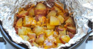 slow_cooker_cheesy_bacon_potatoes_featured